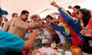 Maduro called to further perfect the Committees and make them more efficient.