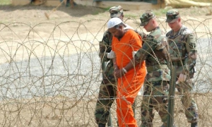The U.S. government has failed to comply with due process and committed torture and harassment of prisoners detained in the Guantánamo Naval Base, on illegally occupied Cuban territory.