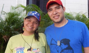 Venezuelans Mariangel Marcano Flores and Víctor Gabriel Cropper Conde, are members of Hugo Chávez international brigades undertaking health promotion and prevention efforts in remote communities.