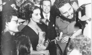 From the earliest moments of the triumph of the Revolution, Fidel offered his support to the National Ballet of Cuba. In the foreground (from left to right) Alicia and Fernando Alonso, alongside the Comandante en Jefe, Fidel Castro.
