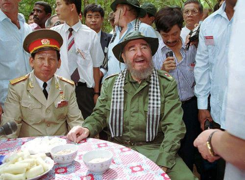 During his visit to Vietnam in 1995, Fidel wore a Viet Cong hat and tasted root fibers, a staple food of the Vietnamese who lived in the network of underground tunnels during the war.