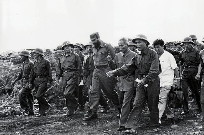 Fidel visiting the liberated territories of the south in 1973.