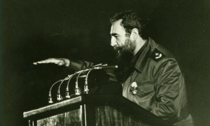 Fidel during the inauguration of Ameijeiras Hospital, December 3, 1982.