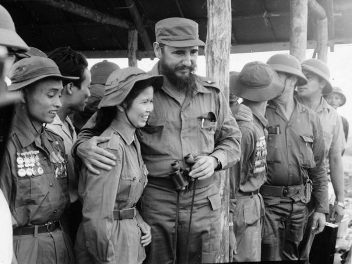 Fidel with South Vietnamese Ta Thi Kieu, a liberation army combatant.